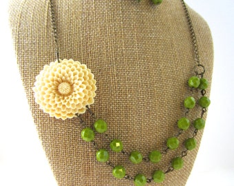 Flower Necklace Green Statement Necklace Green Jewelry Double Strand Necklace Beaded Bridesmaid Jewelry Green Necklace
