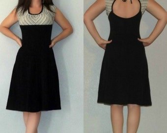 865 XS S Vintage 70s Black and White Chevron Striped Cut Out Fit and Flare Lolita Dolly Mini Dress