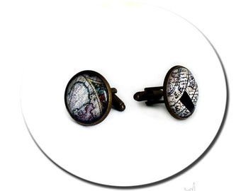 Vintage World Map Compass / Retro Cufflinks - Glass Cabochon