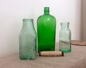 Amazing green VINTAGE BOTTLE COLLECTION. Great antique / vintage collection