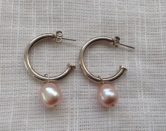 Vintage Sterling Silver Open Hoop Earrings with a Large 9mm Rose Colored Freshwater Pearl