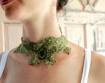 Green lace for your choker, belt and headband to wear