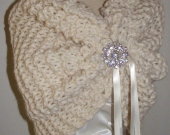 Winter Wedding/Bridal Shawl/Wedding Shrug/Bridal Bolero/Shawl with Brooch/Bridal Cape/Ivory Bolero/Shrug/Ivory Shawl/Snowflake Wedding/Cape