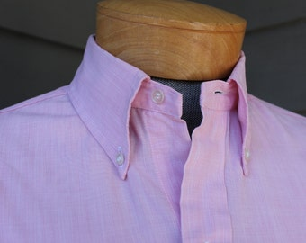 vintage 1970's -Brooks Brothers- Men's button down collar - long sleeve shirt. 'Brookscloth' in Pink Chambray. Med - Large 15 1/2 x 34