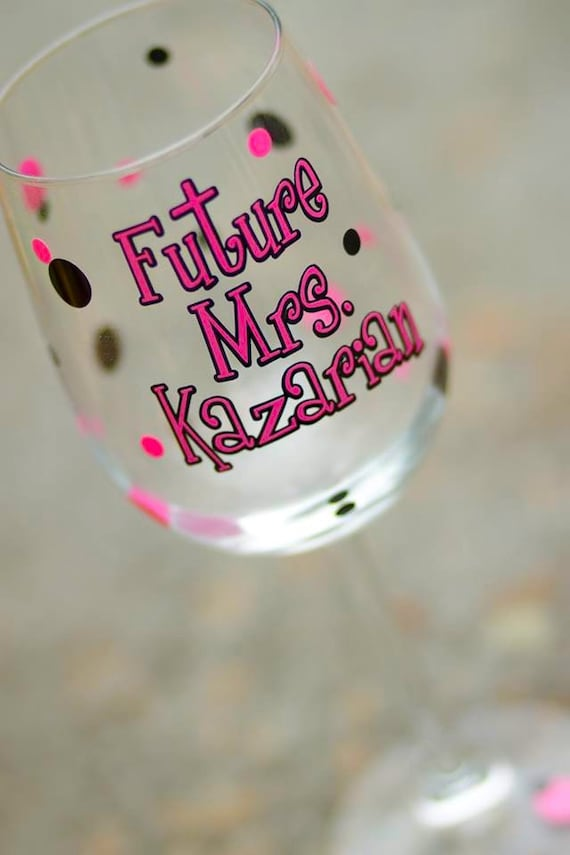 Bachelorette wine glass, Polka dot personalized Future Mrs. wedding glass, hot pink black. Bridal shower gift. Christmas gift idea for bride