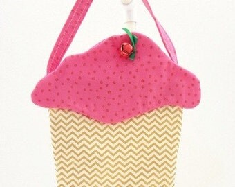 little girls purse cloth cupcake purse fabric gift bag cloth goodie bag Easter basket May Day party favor CC240