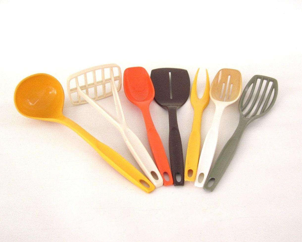 Nylon plastic foley kitchen utensils set by lauraslastditch for Plastic kitchen set