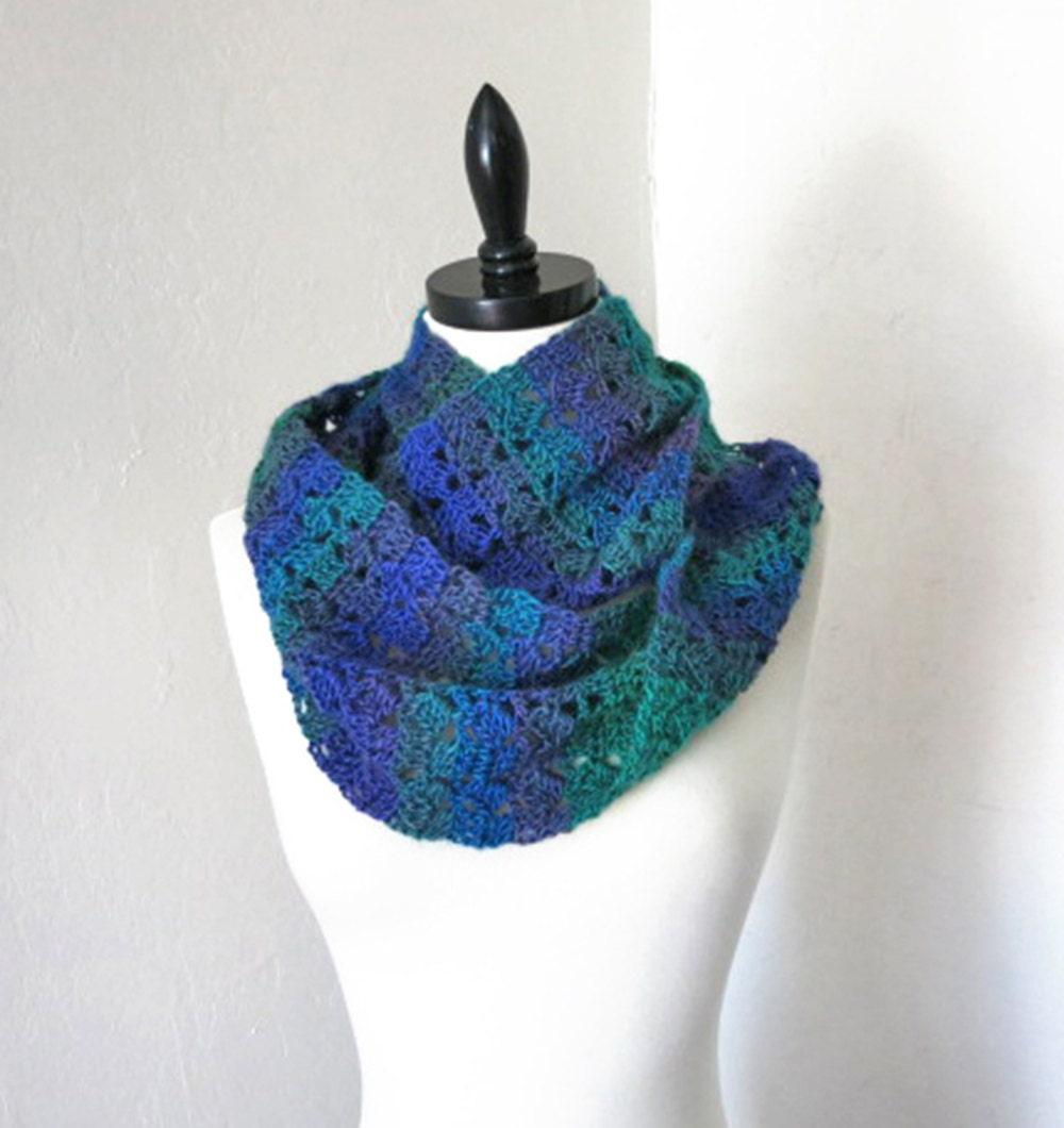 crochet pattern slanting squares mobius scarf crochet