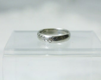 Nice 925 Sterling Silver Band Ring With Circles or Bubbles - Size 5