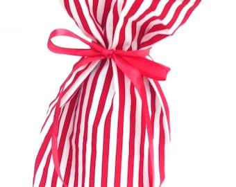 Christmas Fabric Bottle Bag, Christmas Wine Bag or Gift Wrap, Smart Hostess Gift
