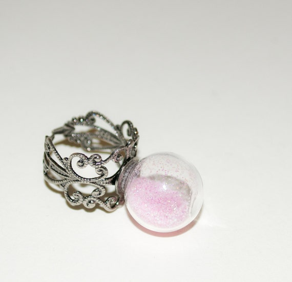 Statement Ring, Quirky Jewelry, Glass Globe, Pink Glitter Globe Ring, Cocktail Ring, Adjustable Ring, Pink Glitter Ring, Glass Ball