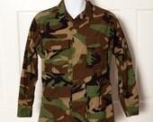 Military Camo Shirt Top Jacket - Small Short