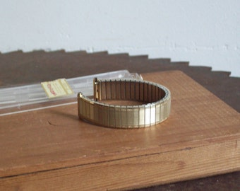 Vintage Speidel watchband Twist O Flex stainless gold tone 1368 long in original hard plastic box NOS Free shipping to USA