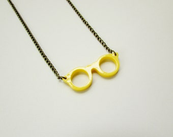 Retro Eye Glasses Necklace in Yellow