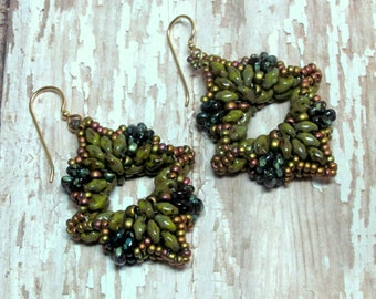 Olive Superduo Earrings, Beaded Earrings, Beadwoven Earrings, Green Earrings, Fall Earrings, Autumn Earrings, Fall Jewelry, Autumn Jewelry
