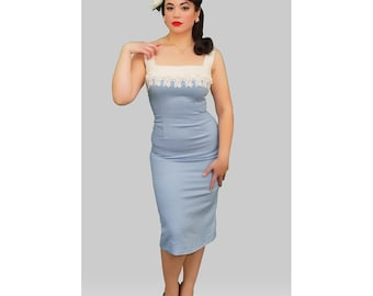 1950s Fashion / Vintage 1950s Light blue Wiggle Dress with lace