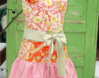 Busy Bee Designs - Amelie Apron - Sewing Pattern