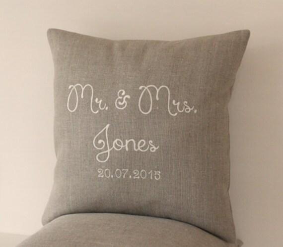 mr und mrs pillow hochzeit personalisierte kissen. Black Bedroom Furniture Sets. Home Design Ideas