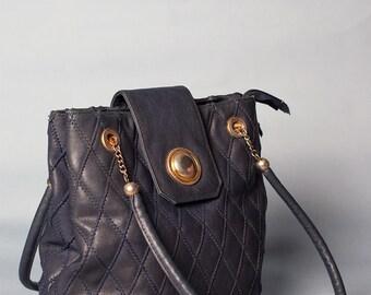 Matelassé vintage leatherette bag // 80s // unique size