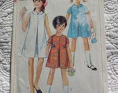 Retro 1967 SIMPLICITY Sewing Pattern 7112