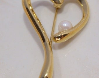 Stylized Heart Pin with Single Pearl