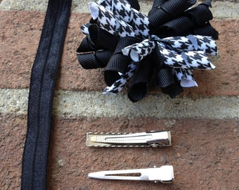 Black and White Houndstooth Korker Hair Bow