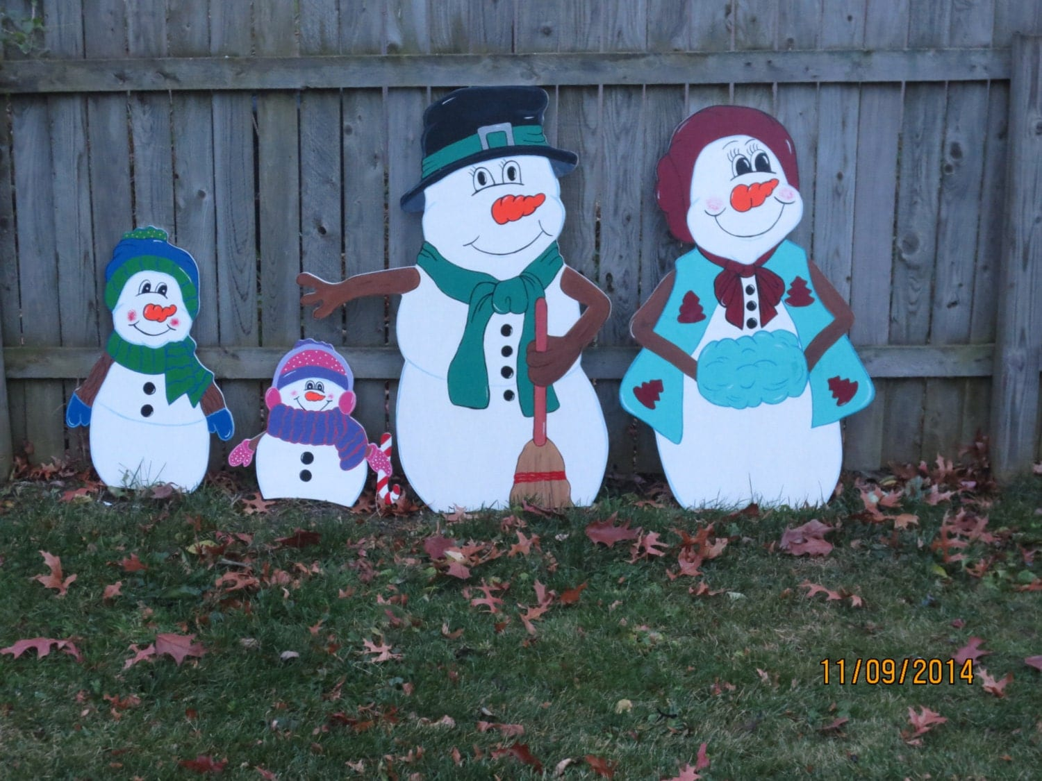 Christmas outdoor snowman family wood yard art by for Wooden christmas yard decorations patterns