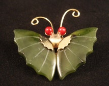 Vintage 1970s ASIAN Gold Coral & Carved Green Spinach JADE BUTTERFLY Pendant Brooch Pin Chinese Chinoiserie Retro Statement Jewelry