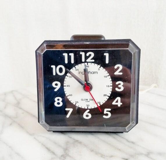 Electric Alarm Clock ~ Vintage ingraham light up electric alarm clock