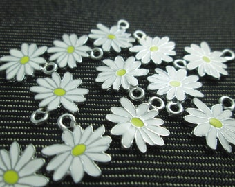 12 Little White Yellow Daisy Flower Charms Enamel Charm Pendant CT-0298