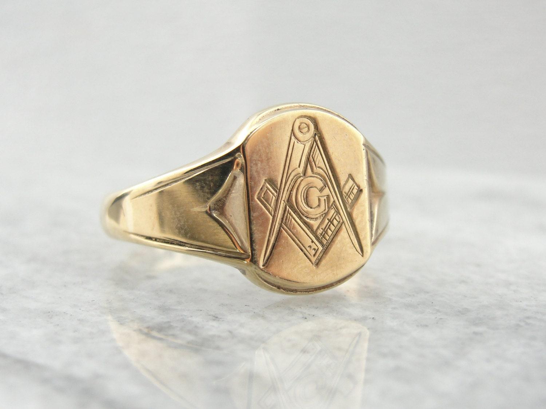 antique 9 carat yellow gold masonic ring rfnpxu n