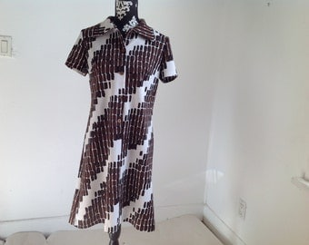 Brown and White Short-Sleeve Vintage Geometric Polyester Dress