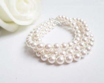 FREE SHIPPING 3 Strand Swarovski Pearl Bridal Bracelet, 3 Strand Bridal Bracelet, Pearl Bridal Bracelet, Classic Pearl Bridal Jewelry