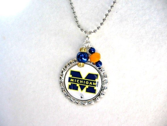 university of michigan wolverines necklace by