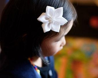 white snowflake flower hair clip - adult hair accessories - girl hair clip 108