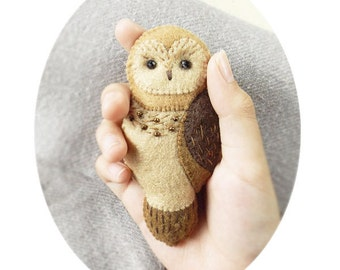 Brown Owl Felt Brooch, Woodland Animal Felt Jewelry, Handmade Felt Accessory with Hand Embroidery and Beads, Brown Tan Ivory Owl Brooch