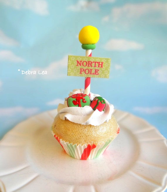 Fake Cupcake Realistic Christmas Holiday Green Frosting Faux Ornament Candy Stripe Fondant Gift Presents North Pole