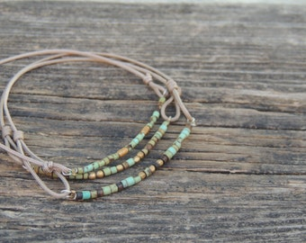 Adjustable bracelet of Turquoise beads