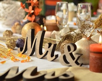 wedding top table decoration Mr & Mrs , sweetheart table, prop photo prop ,engagement ,photography,  wedding decor