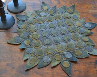 Primitive Wool Penny Rug e-Pattern Colonial Traditional Early Design Pennies Teardrops