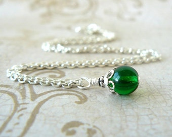 Emerald Green Necklace, Kelly Green Bead Pendant, Vintage Inspired Jewelry, Beaded Dangle Spring Green Jewelry, Delicate Necklace
