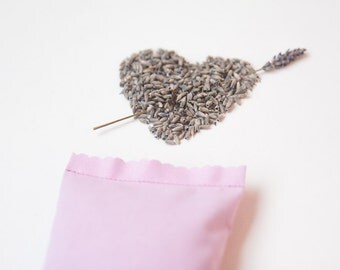 Lavender sachet for drawers. Organic lavender pillow. Closet sachet. Scented sachet. Hostess gift. Christmas gifts for coworkers. Hogmanay