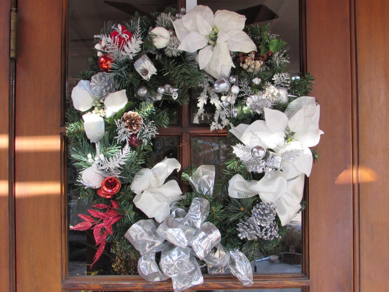 "22"" Christmas Wreath- White Silver Christmas Wreath- Pinecone Wreath- Poinsettia Wreath- Christmas Present Wreath- Winter Snow Wreath"