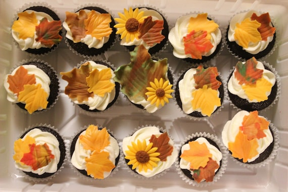 50 fall leaves fondant Thanksgiving edible by InscribingLives