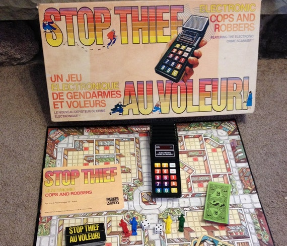 how to play cops and robbers board game