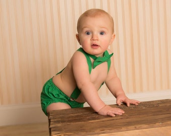 Boy Cake Smash Outfit, Boy 1st Birthday Set, Green Bowtie, Bow tie and diaper cover set, Photo Prop, Christmas Outfit, St. Patrick's Day