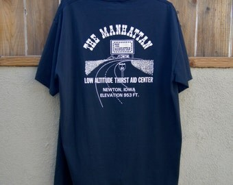 1980s Vintage The Manhattan T-Shirt 50/50 Heavyweight Jerzees Label
