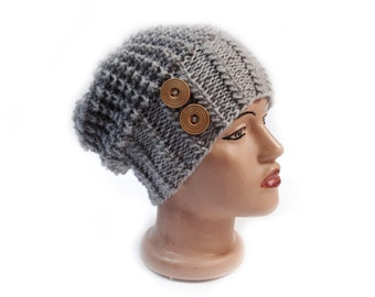 Slouchy beanie hat with button - Gray - Oversized - chunky - handmade - vegan friendly - baggy