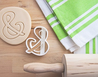 Ampersand Cookie Cutter With Built-In Handle Design (3D printed cookie cutter)