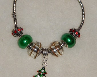 Whimsical Christmas Glass Bead & Charm Bracelet (Pandora style)